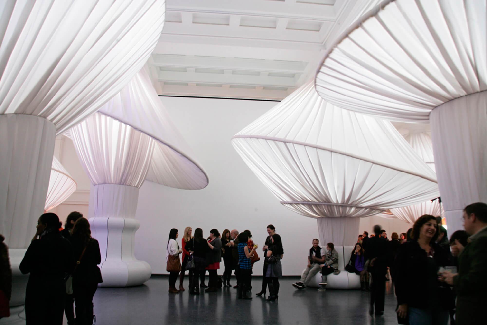 各种织物点缀布鲁克林博物馆