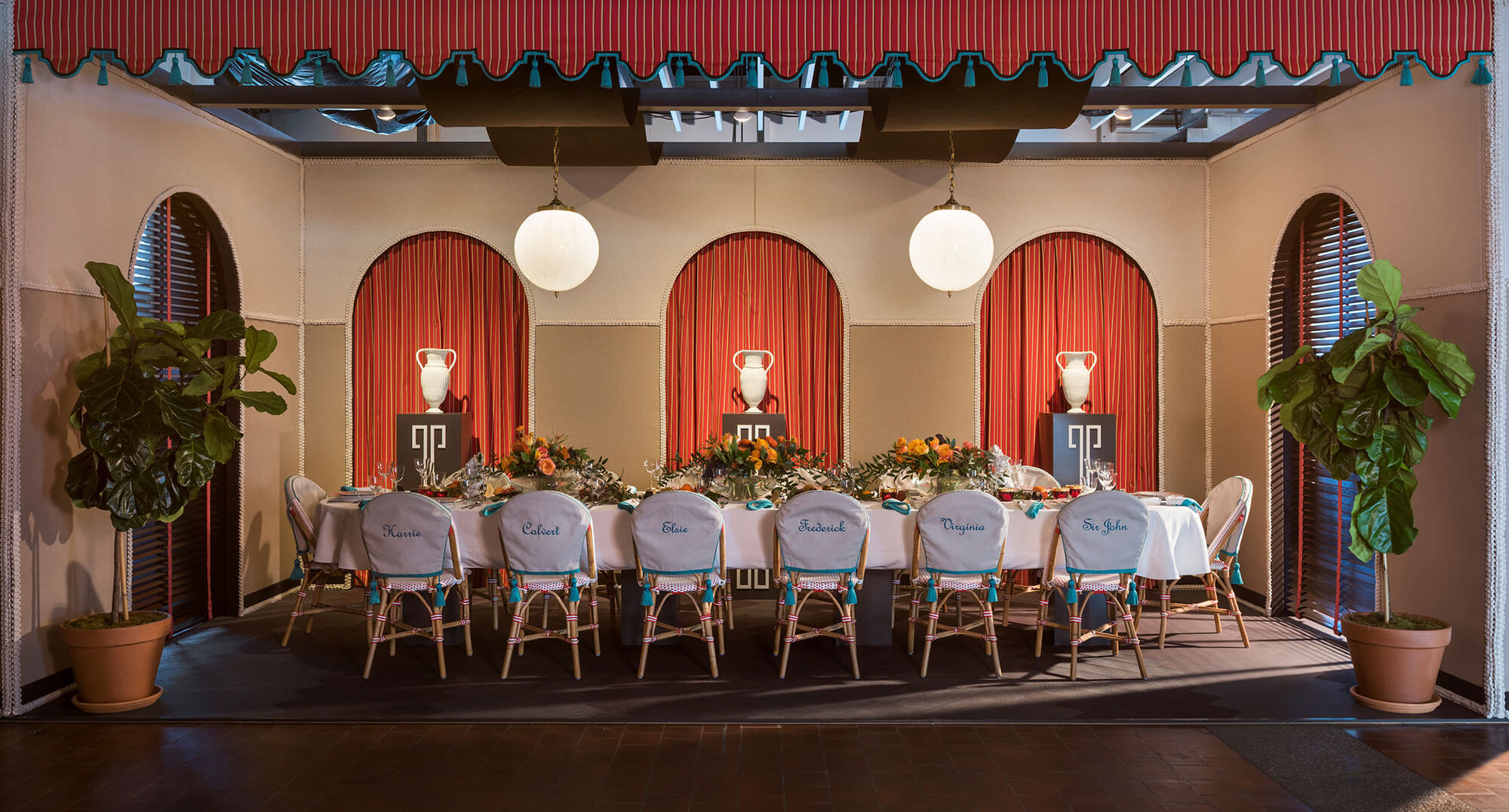 Wide shot of the fantasy dinner-themed tablescape from DIFFA's Dining by Design, a collaboration between Sunbrella and Peter Pennoyer Architects.
