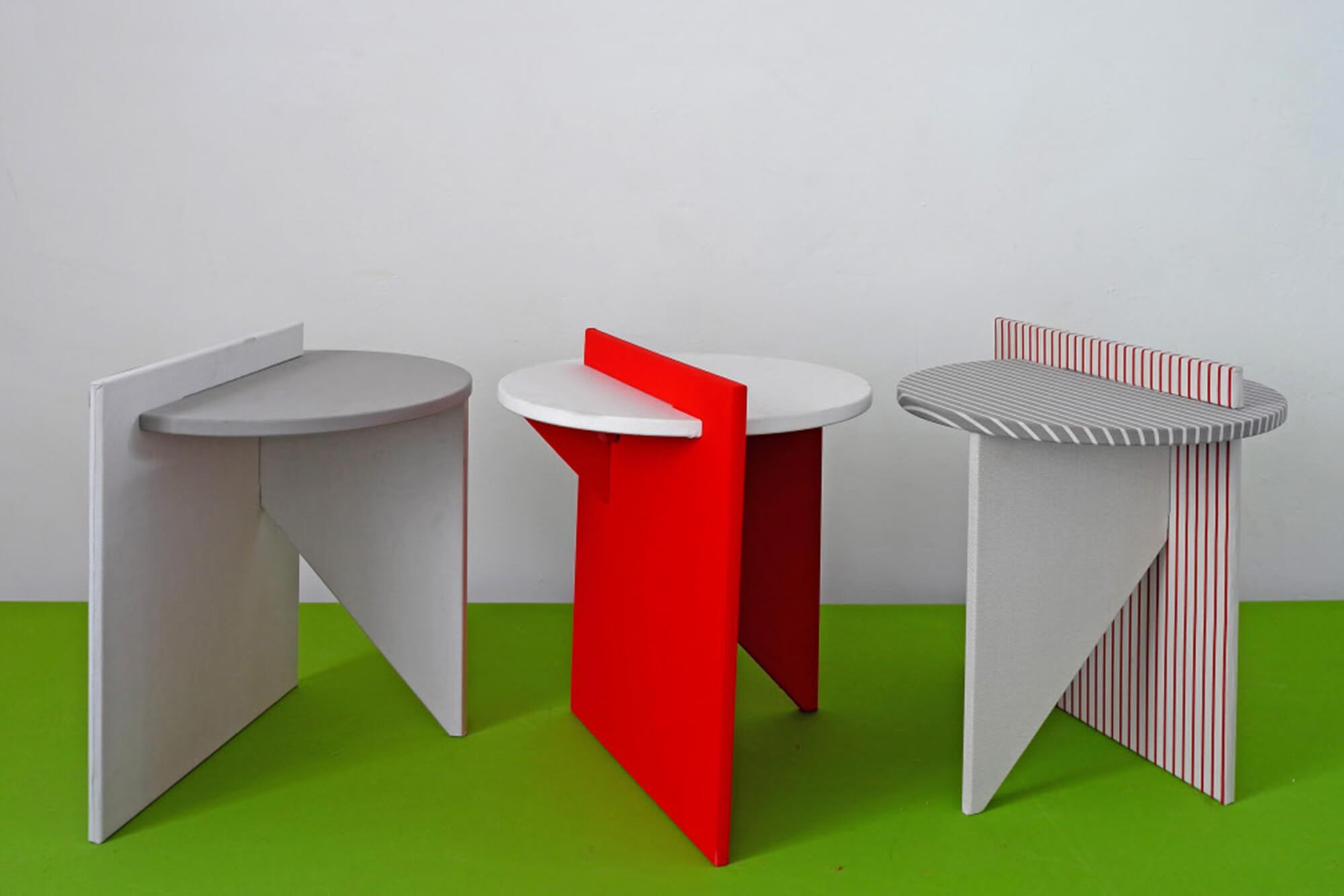 Atelier Lavit 设计的红白色边桌